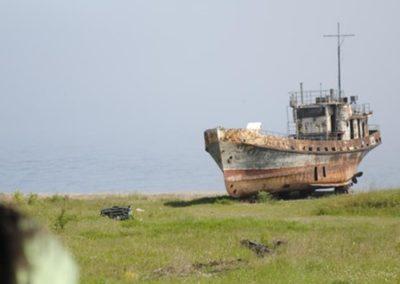Viejo barco pesquero a orillas del Baikal